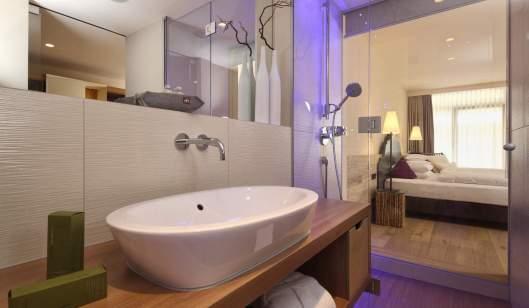 room-junior-bathroom_220_5_d6ad326714ac114685ecc10c3a32b2c1